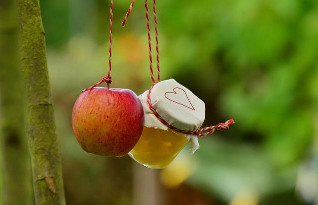 apple-tree-1574327_640