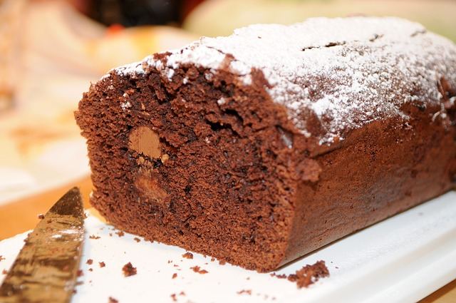 chocolate-cake-1552983_640