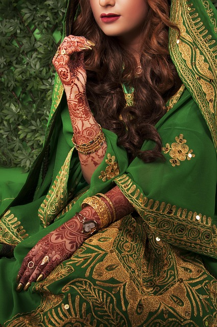mehndi-designs-1745051_640