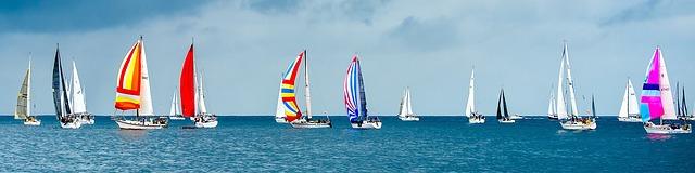 sailboats-1375064_640