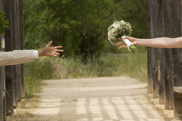 wedding-1146324_640