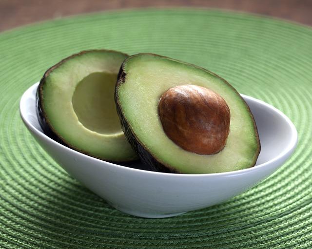 avocado-1712583_640