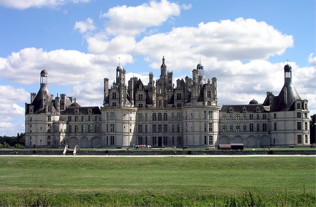chateau-de-chambord-632853_640