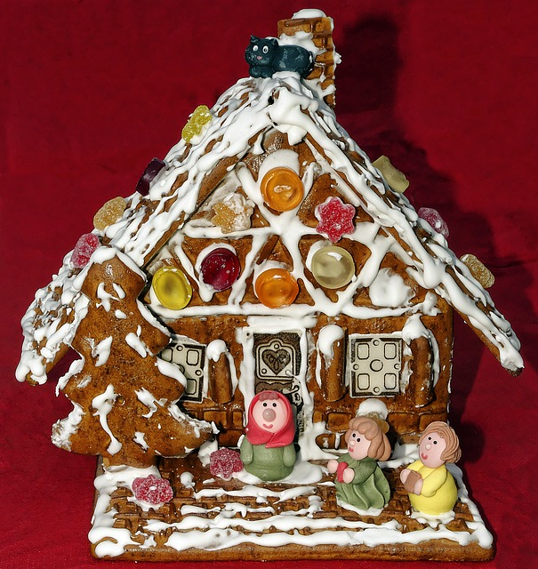 gingerbread-house-2974926_640