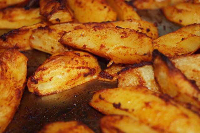 potatoes-1495691_640