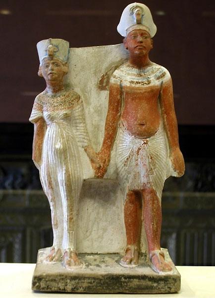 Akhenaton-Nefertiti-Caire-5